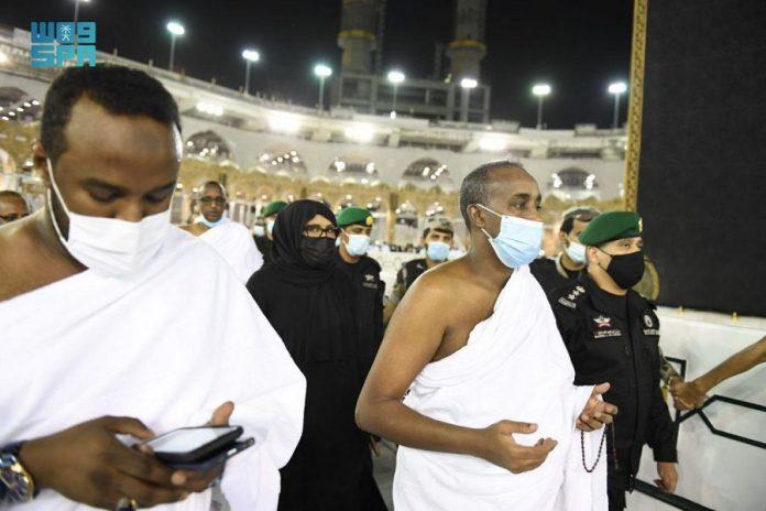 Somali Prime Minister performs Umrah rituals