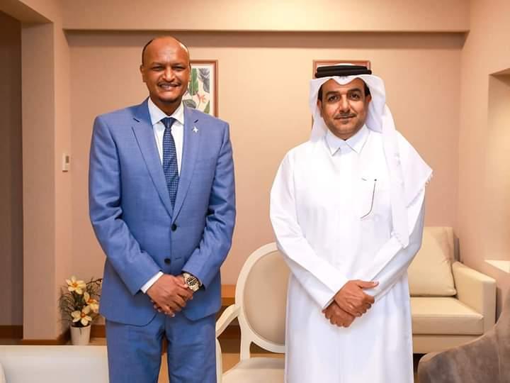 نائب رئيس الوزراء يجتمع مع مبعوث خارجية قطر