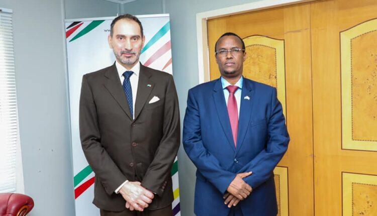 رئيس ولاية هيرشبيلي يلتقي السفير الإيطالي في مقديشو